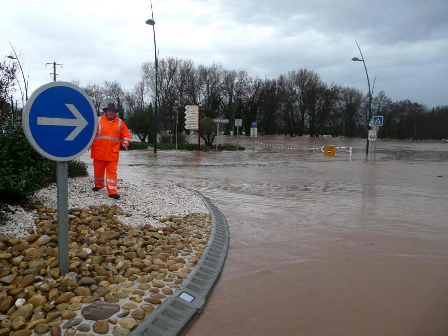 Durant les inondations de 2014, le village a été particulièrement touché et coupé du reste du monde pendant de longues heures.