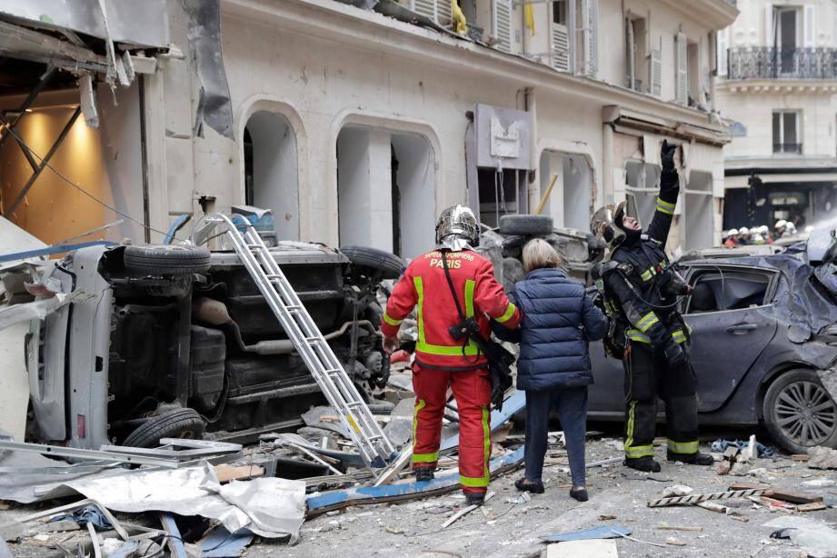L'Espagnole tuée dans l'explosion faisait du tourisme dans la capitale française avec son mari qui lui n'a pas été blessé.