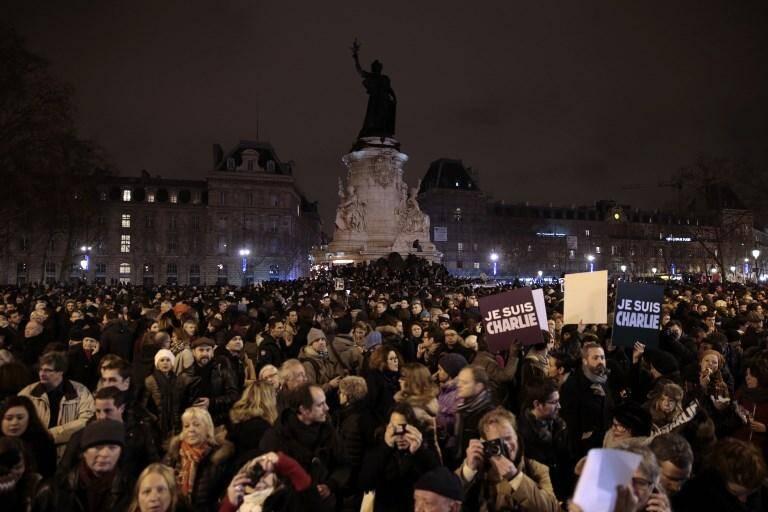 Rassemblement à Paris le 7 janvier 2015 après l'attentat contre Charlie Hebdo.