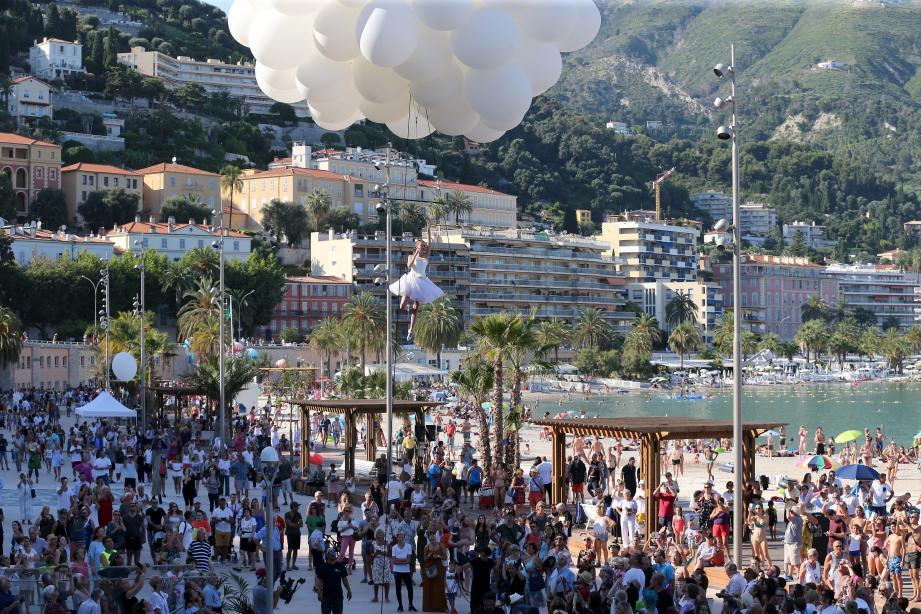8.000 personnes ont assisté à l'inauguration de la dalle.