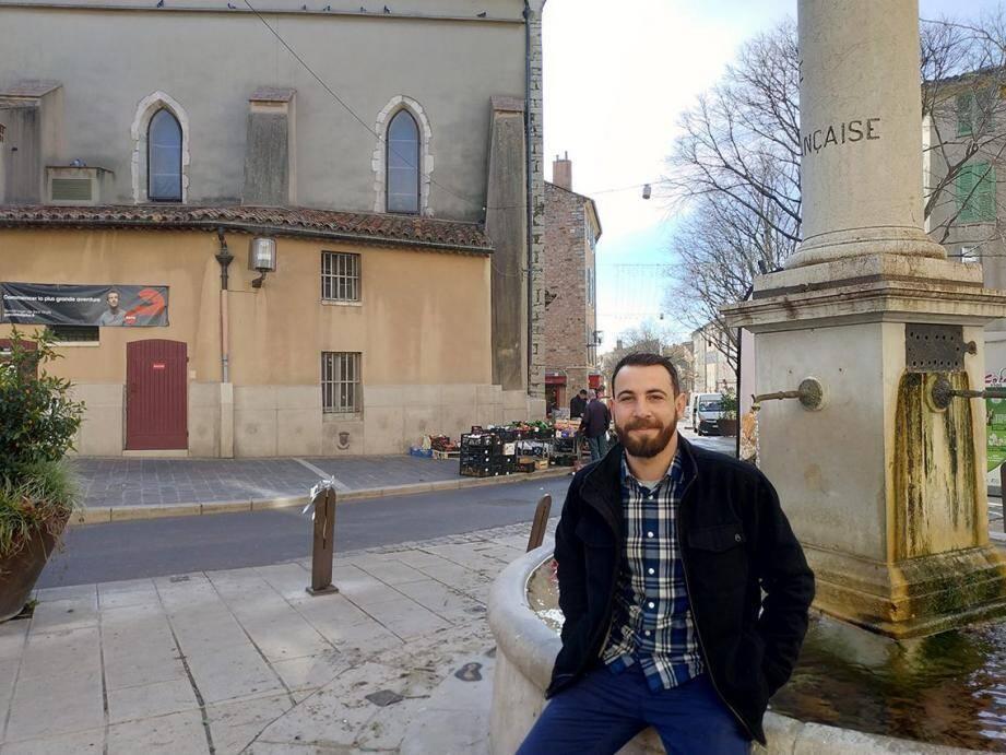 S'il officie à L'Arum à Hyères, le chef Benoît Simian n'en demeure pas pour autant attaché à son environnement valettois, qu'il espère retrouver lors de la manifestation locale Cuisines du Sud.