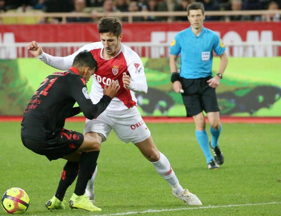 En repoussant le penalty de Saint-Maximin (77'), Diego Benaglio a sans doute évité la défaite aux siens.