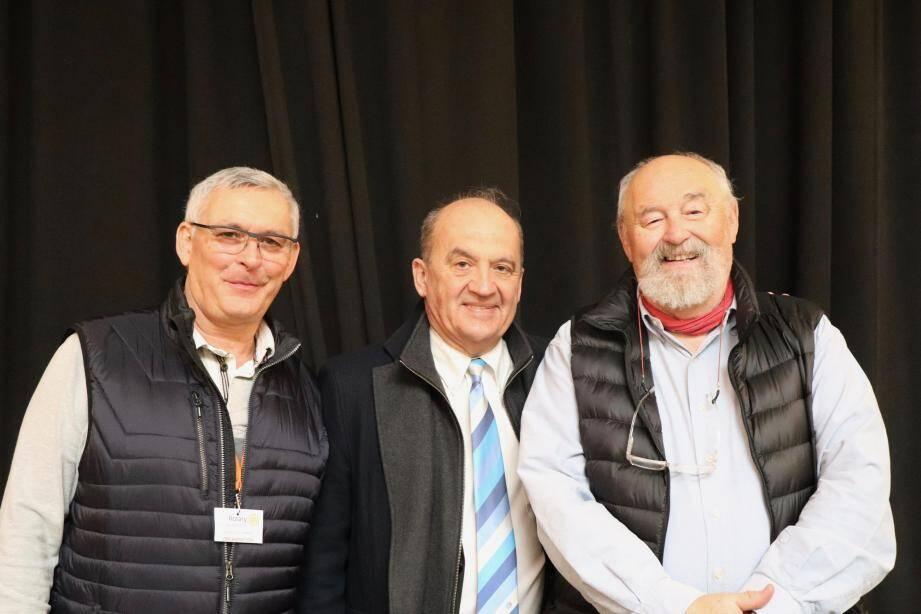 Autour de Gérard Charlier de Vrainville, Gouveneur du Rotary - District 1730 Côte d'Azur, Corse et Monaco, Charles Martini (à droite) à l'initiative de cette manifestation il y a 27 ans et Jean-Michel Huertas (à gauche) l'actuel directeur de la commission du 27e Broc Troc.(DR)