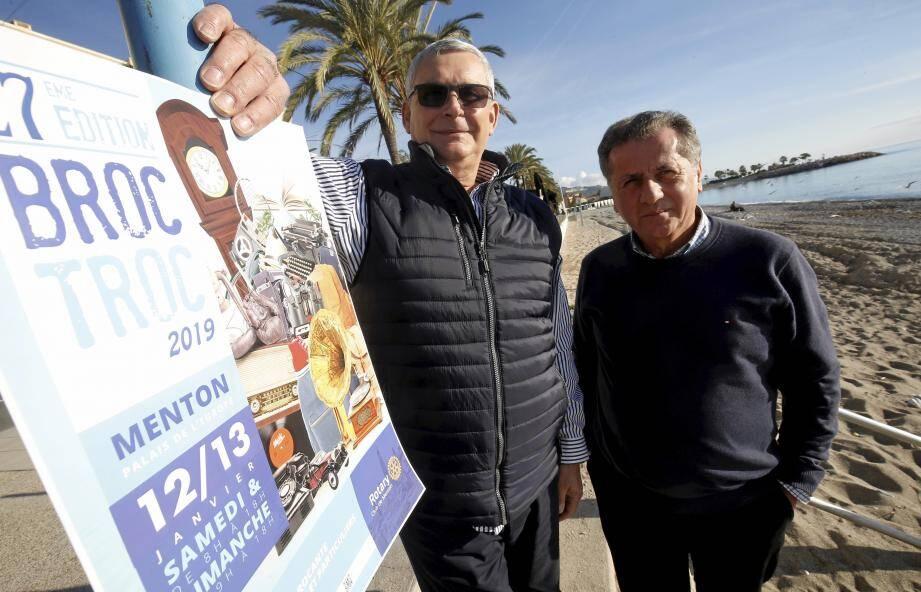 Jean-Michel Huertas, le président de la commission Broc Troc au sein du Rotary, et Ferdinand Martelli, chargé de la communication, présentent l'affiche de l'édition 2019.