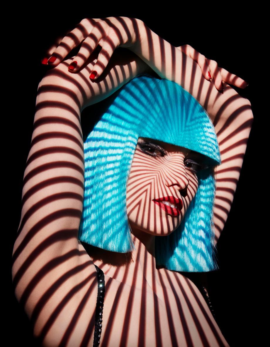 Originaire de Fréjus, Enny Gmatic est danseuse au Crazy Horse depuis 7 ans.