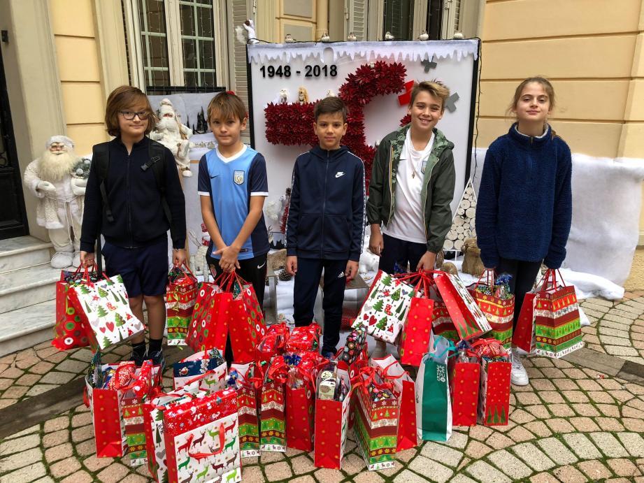 Les enfants ont choisi des cadeaux qu'eux-mêmes auraient souhaité avoir.