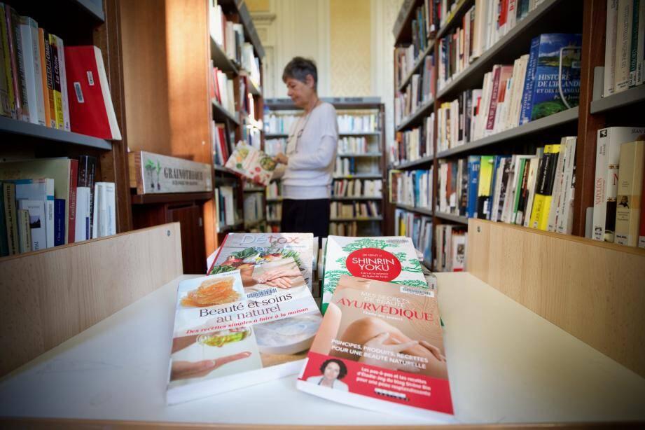Une sélection de livres bien-être pour prendre soin de soi en ce début d'année.