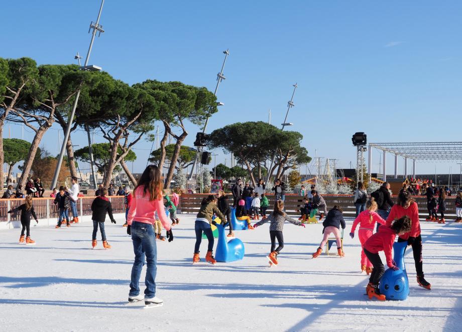 Un dernier tour de patinoire ce week-end avant la fin des vacances.
