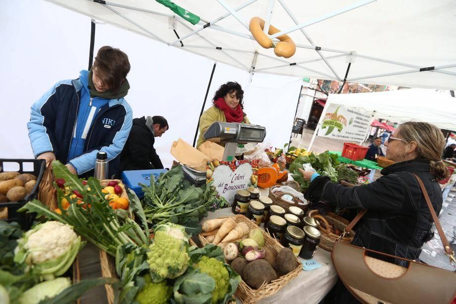 Les producteurs italiens viennent vendre leurs victuailles tous les premiers samedis du mois depuis deux ans dans le centre de Cagnes.