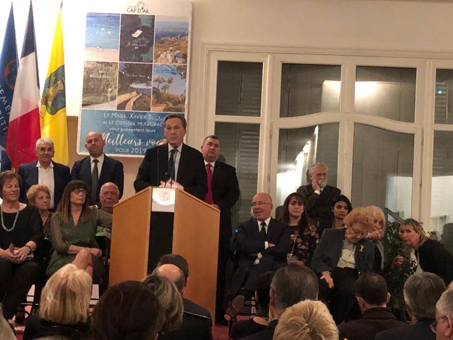 Le maire de Cap-d'Ail lors de ses vœux vendredi soir, aux côtés de son ami Eric Ciotti.