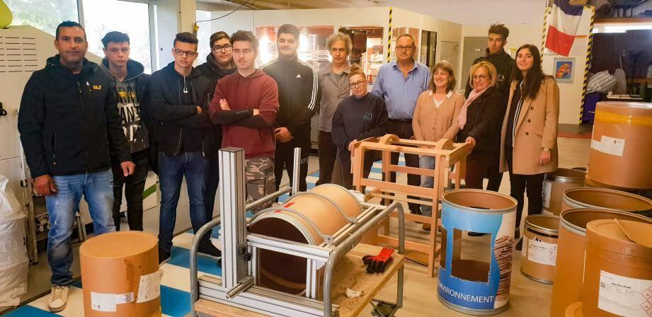Industriels, associatifs et lycéens ont mis leur matière grise en commun pour développer le projet, sous l'égide de Prodarom. La mise en production est, elle, imminente.