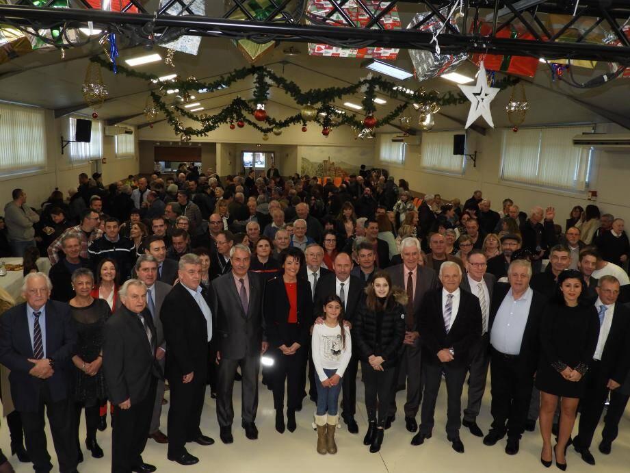 Élus et population réunis lors des vœux à Peillon.