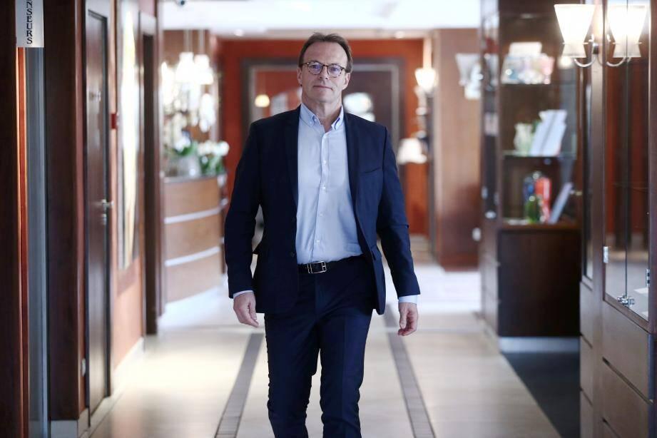 Le président de l'hôtellerie des Alpes-Maritimes évoque une chute de la fréquentation comprise entre - 10 et - 15 % en moyenne sur les quinze premiers jours de décembre.