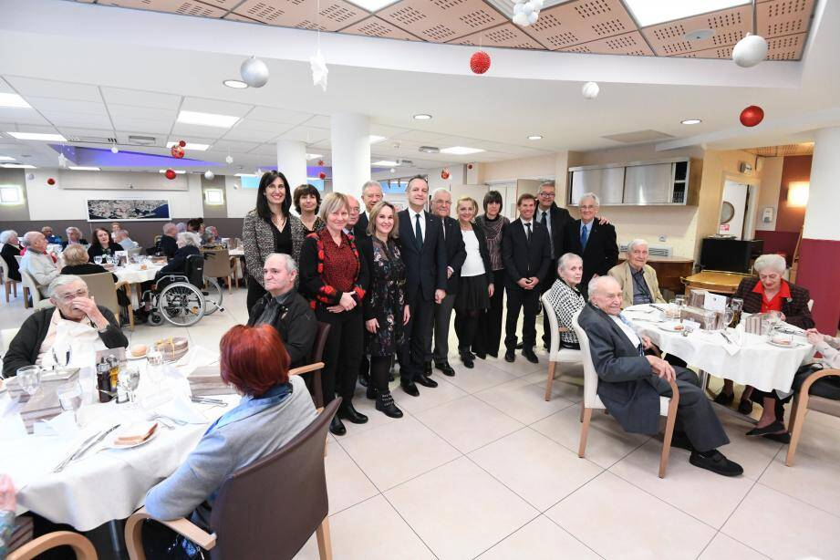 Les résidents ont été heureux d'accueillir le maire et son équipe. (©Mairie de Monaco)