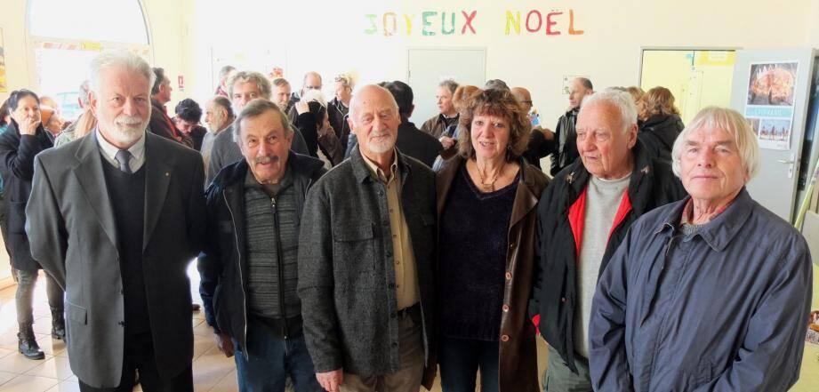 Le maire, Patrice Briandet, entouré d'André Orsini (2e adjoint), André Daumas (1er adjoint), Claudine Girod, Jean Favolle, Roger Cornillet (conseillers municipaux), a présenté ses vœux avant la dégustation de la galette.
