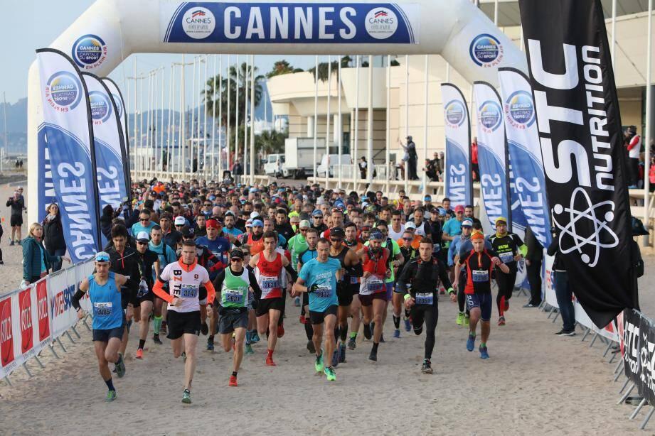 Un départ sur la plage du palais des festivals hier à Cannes pour l'Urban Trail