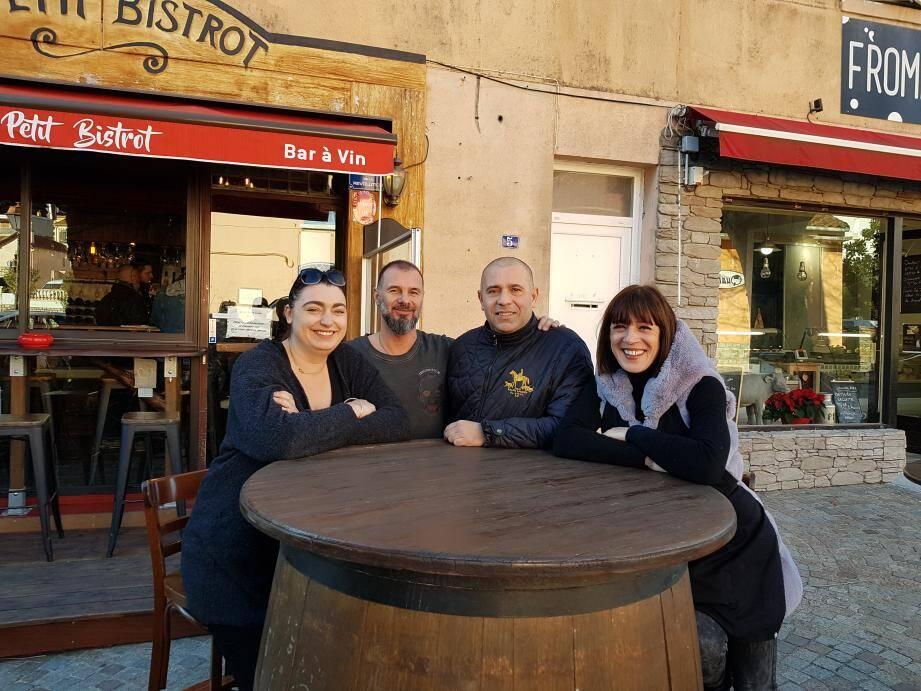 Carla Foixet, Frédéric Parrino Iberti, Franck Catandella et Sandra Bianchi souhaitent faire vivre le quartier de la gare toute l'année avec l'ensemble des commerçants.