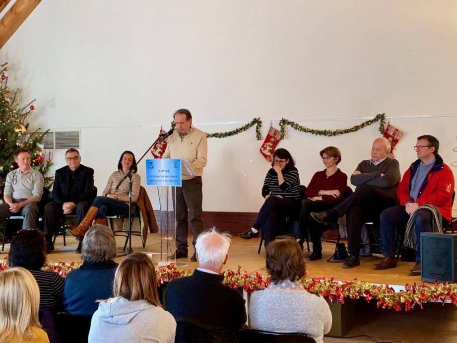 Autour du maire, René Clinchard, les élus ainsi que des personnalités de l'administration. (DR)
