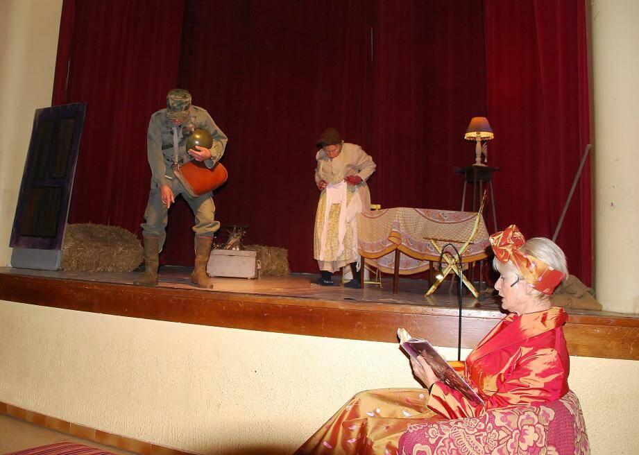 Lecture de conte et théâtre ont animé la soirée contes et soupes.