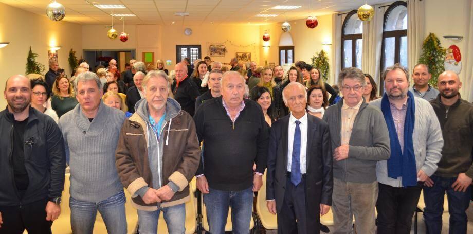 Le maire, Charles Buerch, entouré de son conseil, lors de la cérémonie des vœux à la population.