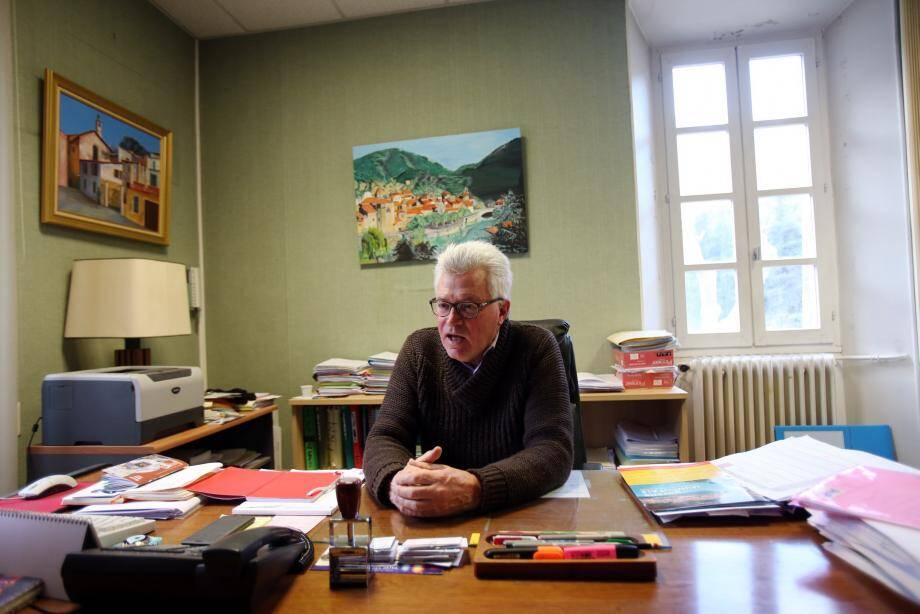 André Ipert dans son bureau breillois.