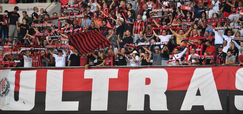 Les supporters niçois ont pris position contre les actionnaires du club et veulent secouer l'équipe.