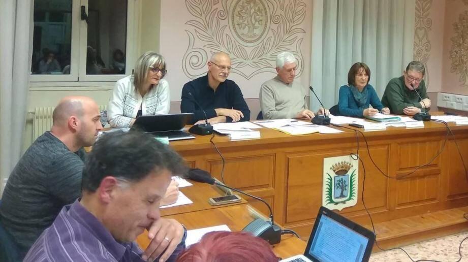 Le Plan local d'urbanisme a été adopté lors du dernier conseil municipal. Il est désormais applicable sur l'ensemble du territoire communal.