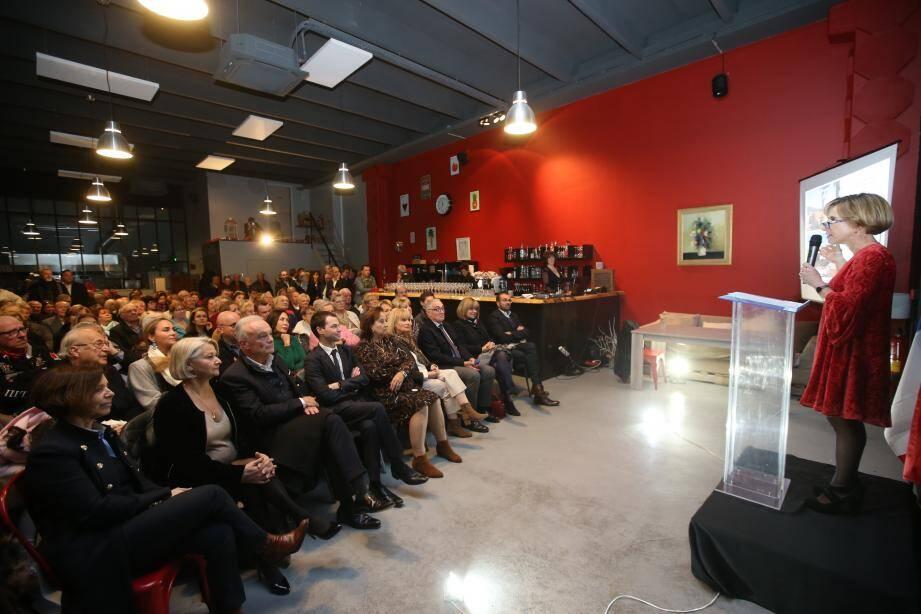 Des maires - Richard Galy et Michelle Salucki -, des conseillers départementaux, des élus et beaucoup de Mouginois sont venus écouter Françoise Duhalde au restaurant L'Atelier.