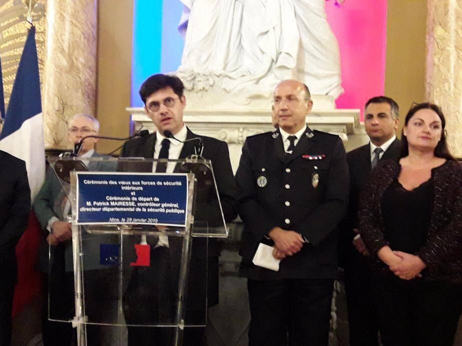 Cérémonie en préfecture pour le départ de Patrick Mairesse (à droite).