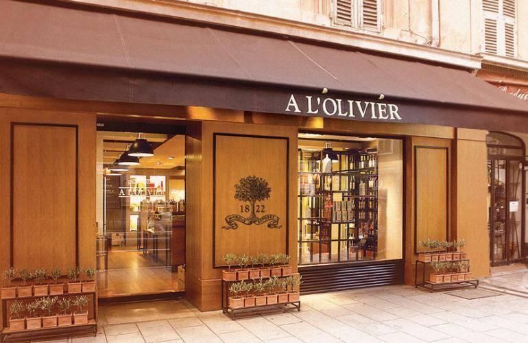 Le groupe A l'Olivier compte cinq boutiques haut de gamme en France.