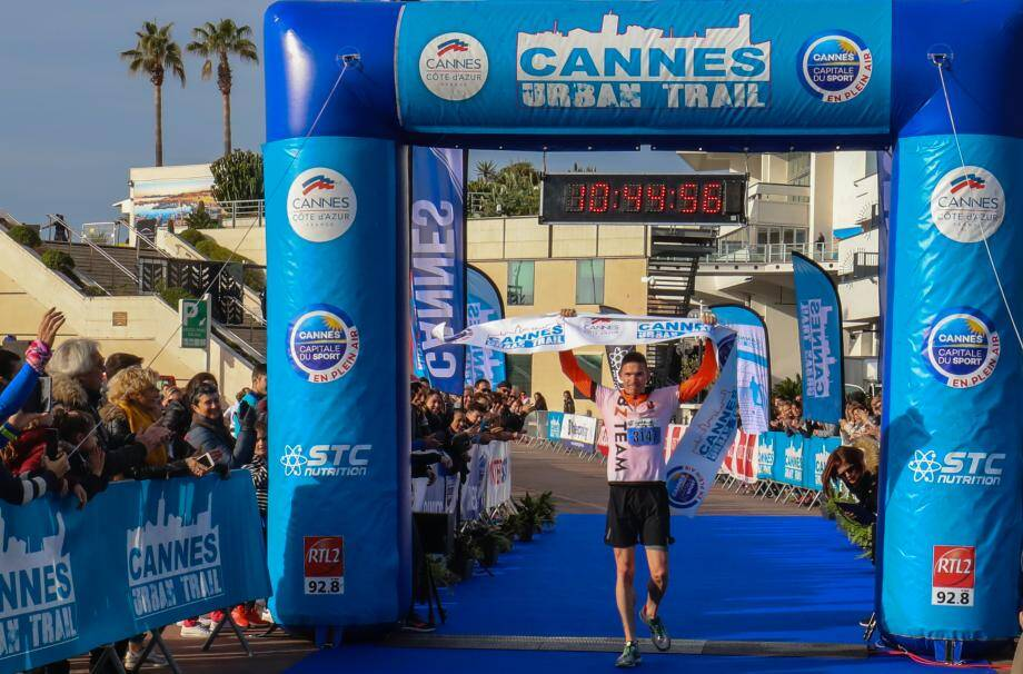 Le Rouennais Benjamin Chabarot a remporté le Cannes Urban Trail 2019.