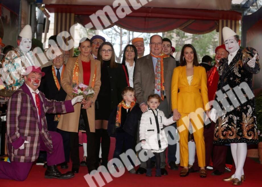 La princesse Stéphanie, présidente du festival, a accueilli hier après-midi son frère, le prince Albert II, accompagné par son neveu et sa nièce, le prince héréditaire Jacques et la princesse Gabriella.