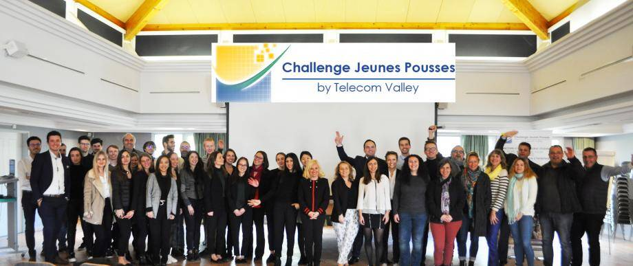 Les quatre équipes finalistes et le jury du Challenge Jeunes Pousses.