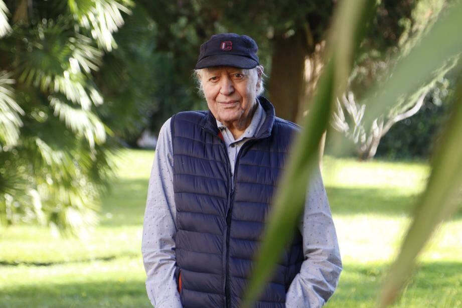 Paul Ezavin.