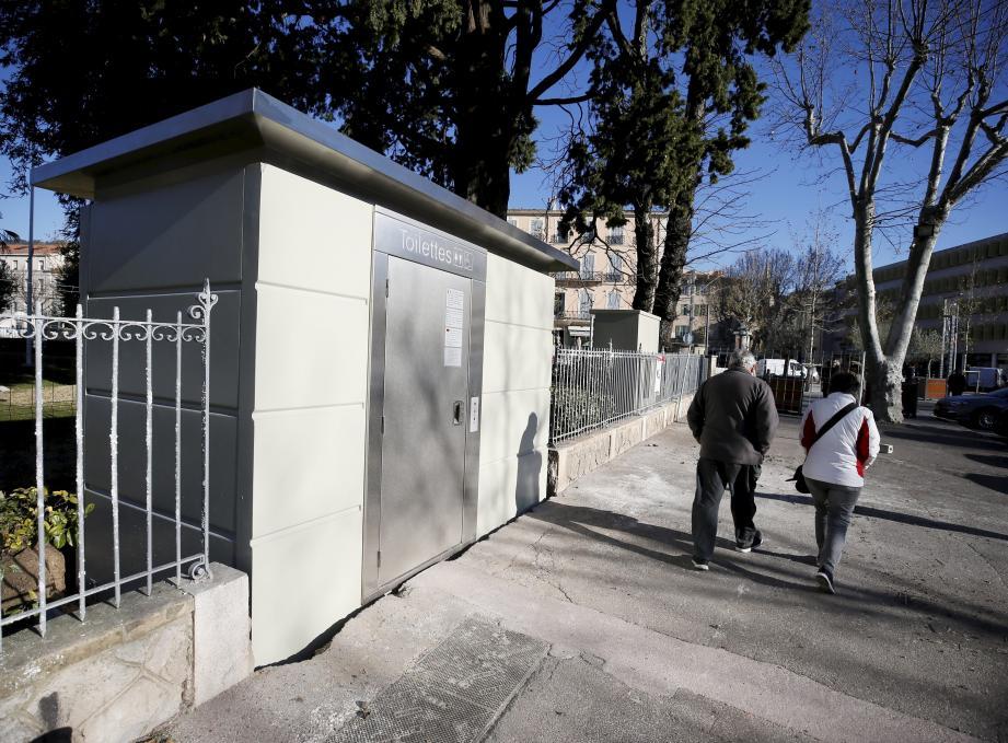 Les WC sont arrivés rue Pierre-Clément.
