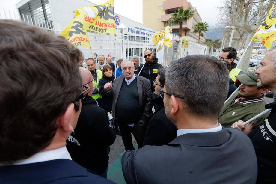 Le Pdg de Naval Group, Hervé Guillou, est venu lundi à Toulon (photo d'archive) pour saluer les équipes ayant œuvé à la modernisation du Charles-de-Gaulle. Le syndicat Sud Arsenal en a profité pour brandir des revendications.