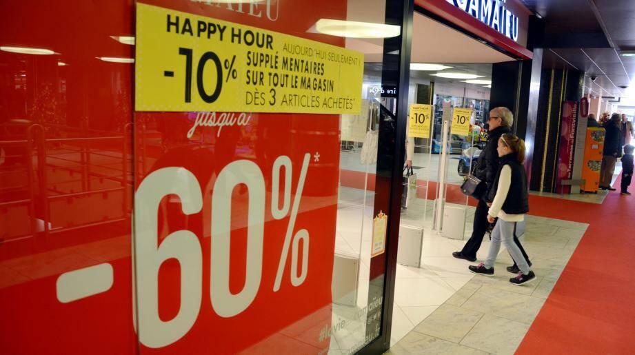 Certaines enseignes n'hésitent pas à cumuler les offres comme en proposant un happy hour.