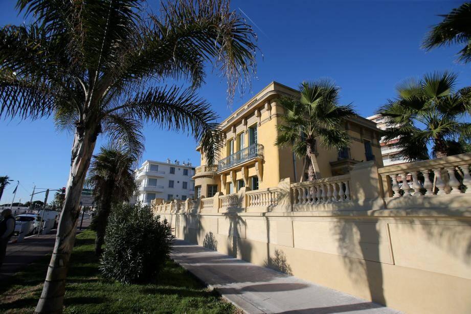 Le maire a inauguré la villa restaurée le 11 janvier.