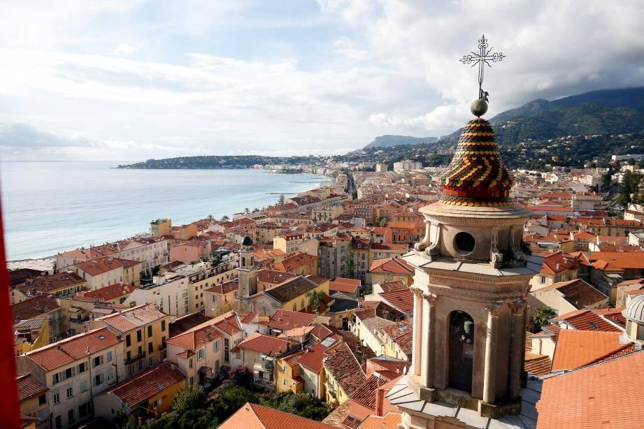 À partir de samedi, les Mentonnais pourront accéder au plus haut de la basilique Saint-Michel Archange par un ascenseur.