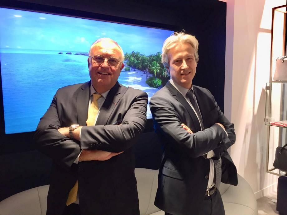 Patrick Alexandre et Zoran Jelkic venus découvrir le nouveau visage de l'agence Air France à Nice.