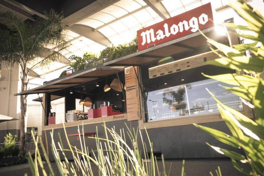 Inauguré hier, le corner Malongo du terminal 1 de l'aéroport de Nice Côte d'Azur est installé dans un container végétalisé.