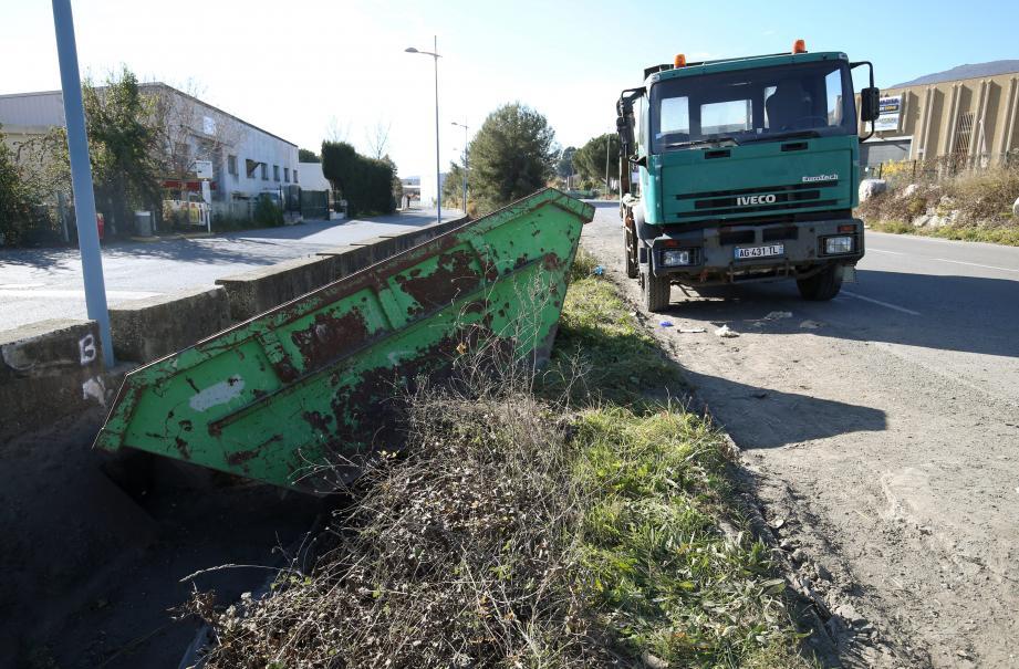 Les lieux de l'accident mortel à Carros.