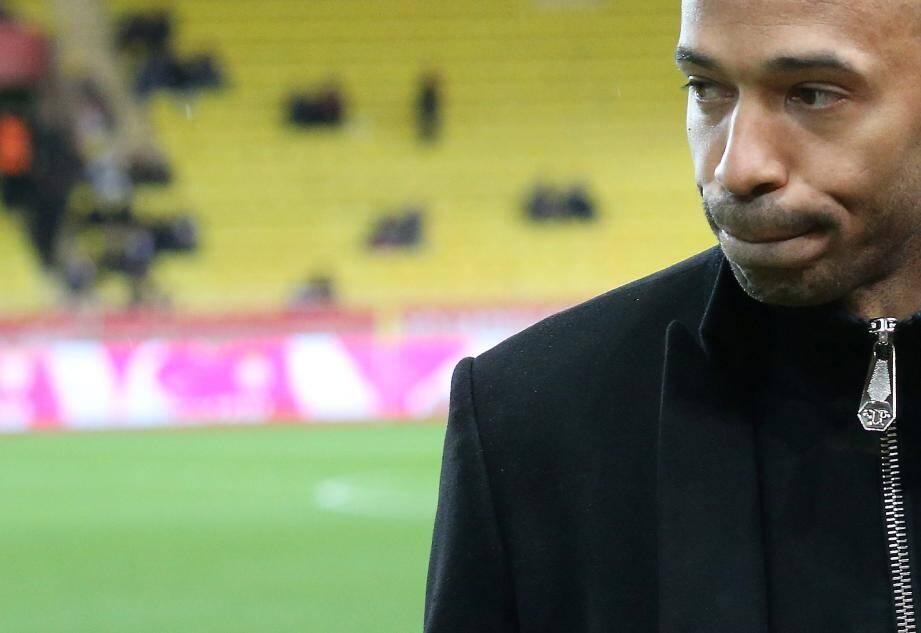 Thierry Henry très énervé après la défaite contre Strasbourg.