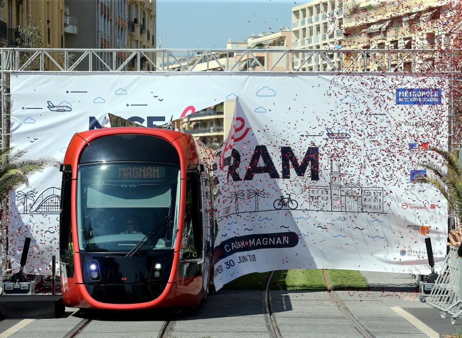 La livraison de la ligne 2 du tramway du Cadam au port est jugée « prioritaire» par 71 % des personnes interrogées, on atteint 93 % en y ajoutant le critère «important».