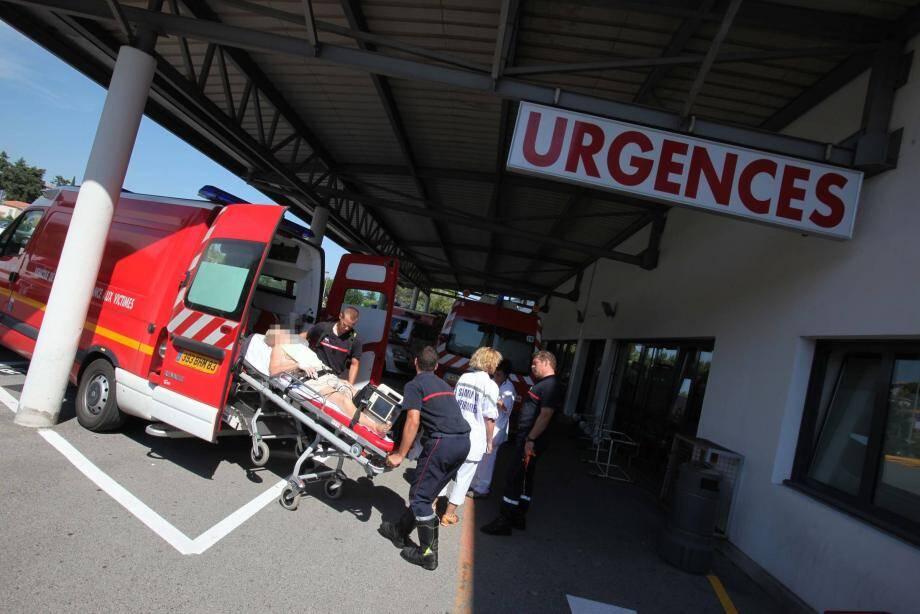Le sénateur Georges Ginesta et le député Philippe Michel-Kleisbauer très critiques à l'égard des propos du maire de Saint-Raphaël sur l'hôpital intercommunal.