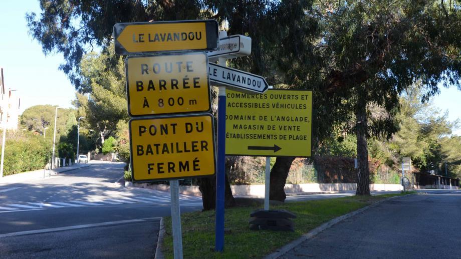 Depuis lundi de nombreuses déviations sont mises en place suite à la fermeture du pont du Batailler, avenue V. Auriol. Les automobilistes doivent jongler entre les différents itinéraires imposés.