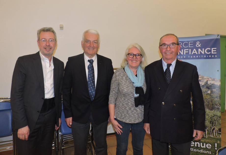 Jean Conreaux entouré de Chrystelle Giner, François Cavallier et Camille Bouge.