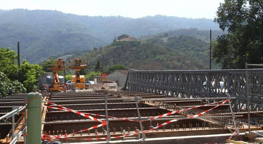 À Pégomas, le pont de la Siagne avait été fermé en urgence en 2012.
