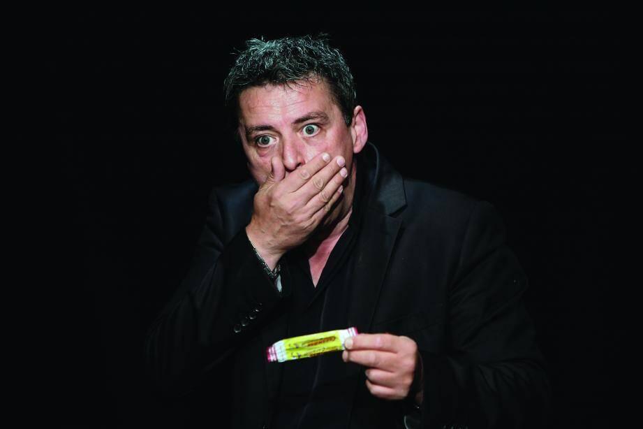 Jeff prend place sur les planches du théâtre Le Tribunal dès demain soir.(DR)