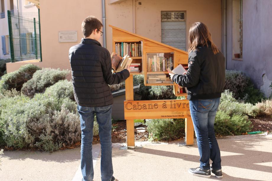 N'hésitez plus, profitez, vous aussi, de ces cabanes à livres, comme lecteur ou donateur.